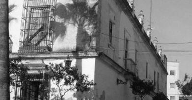 Calle Escaño, calle rasera de Capitanía