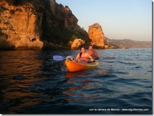 de vuelta a casa... o casi... que hasta se puso el sol y aún estábamos en el agua...