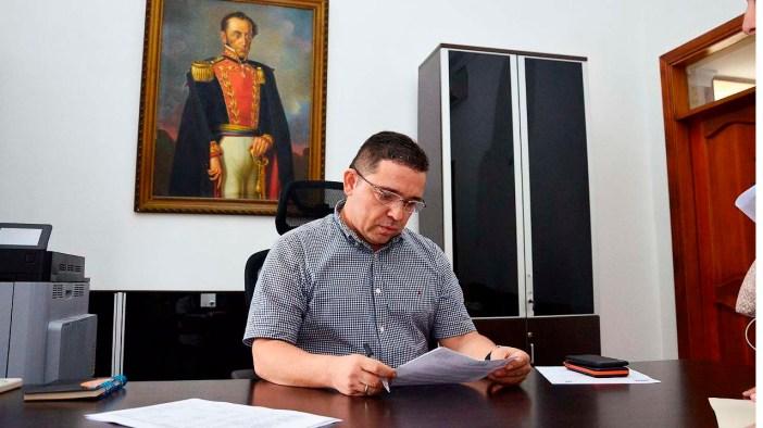 Resultado de imagen para despacho del alcalde rafael martinez