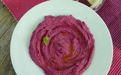 Hummus de remolacha bella