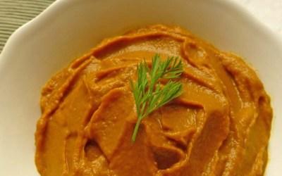 Crema de zanahoria asada con manzana, curry y leche de coco