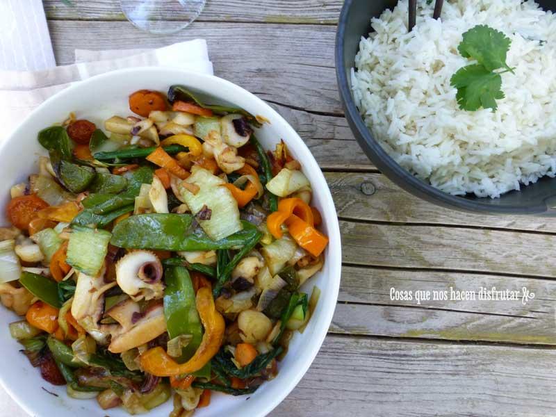 Wok de verduras y choco ( o fiestón de mar y montaña)