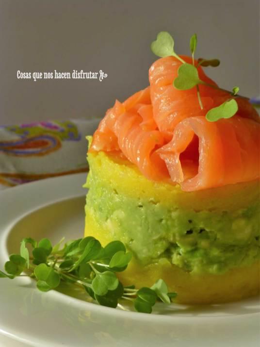 Causa peruana versionada con salmón