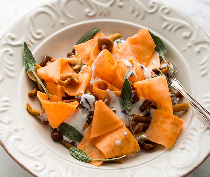 Parpadelle de boniato con setas y salsa de gorgonzola