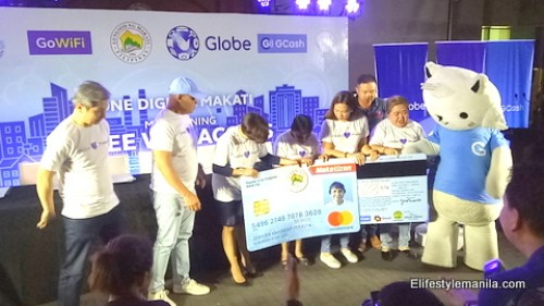 GCash provides cards to Makati City