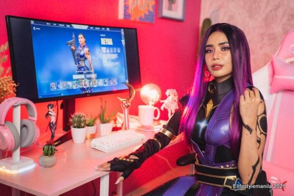 gamer cosplayer content creator Myrtle Sarrosa