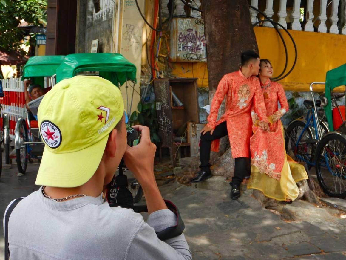 Coppia di sposi a Hoi An, Vietnam