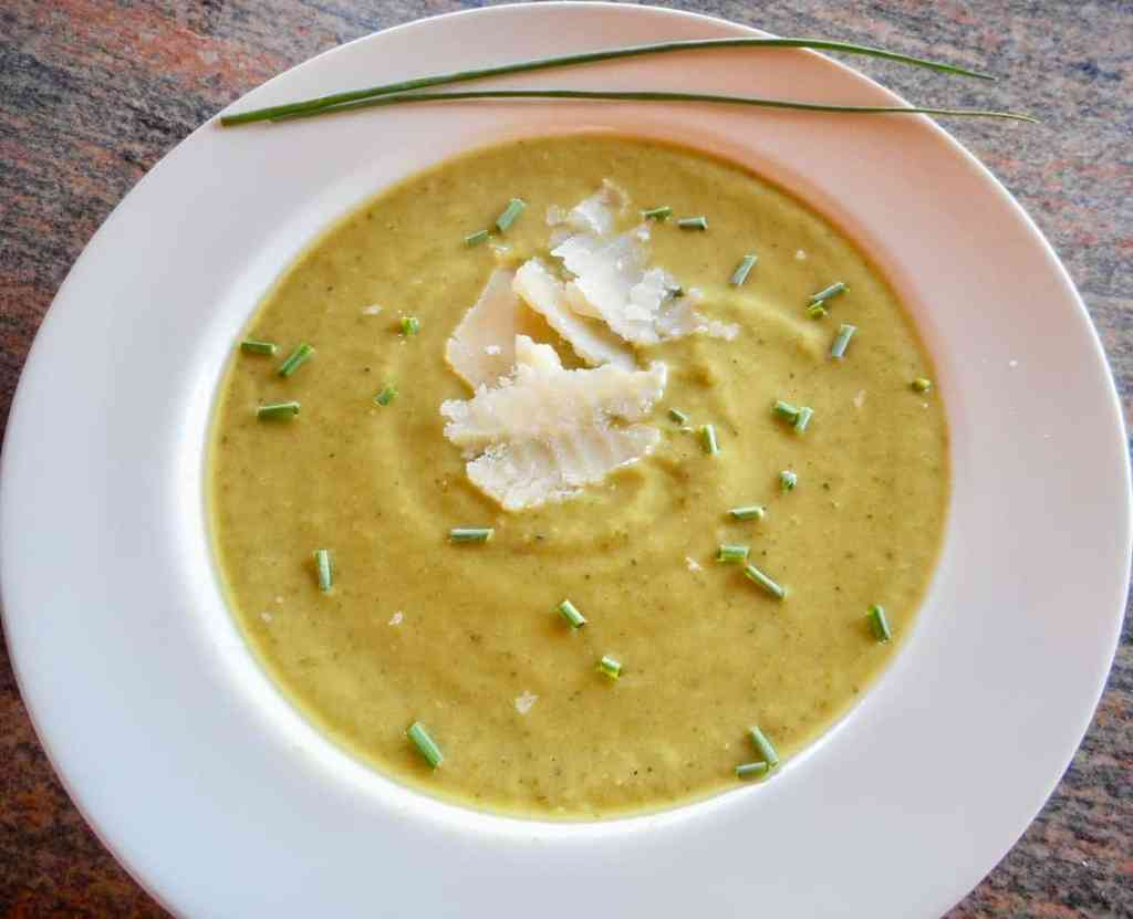 Fresh Zucchini Basil Soup!