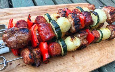 Blandade grillspett med fläskfilé, chorizo och grönsaker