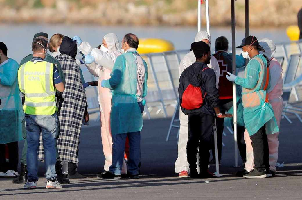 Llegada de los migrantes al puerto de Valencia.
