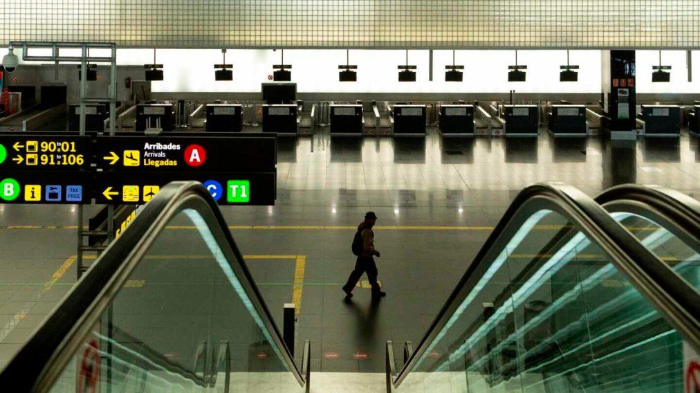 España se llena de 'aeropuertos fantasma': el estado de alarma los vacía de vuelos y pasajeros