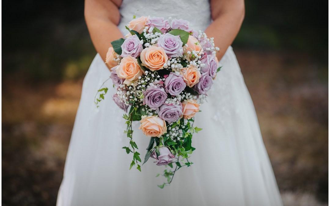 Bröllop i Länna Kyrka med fest i Bergstugan