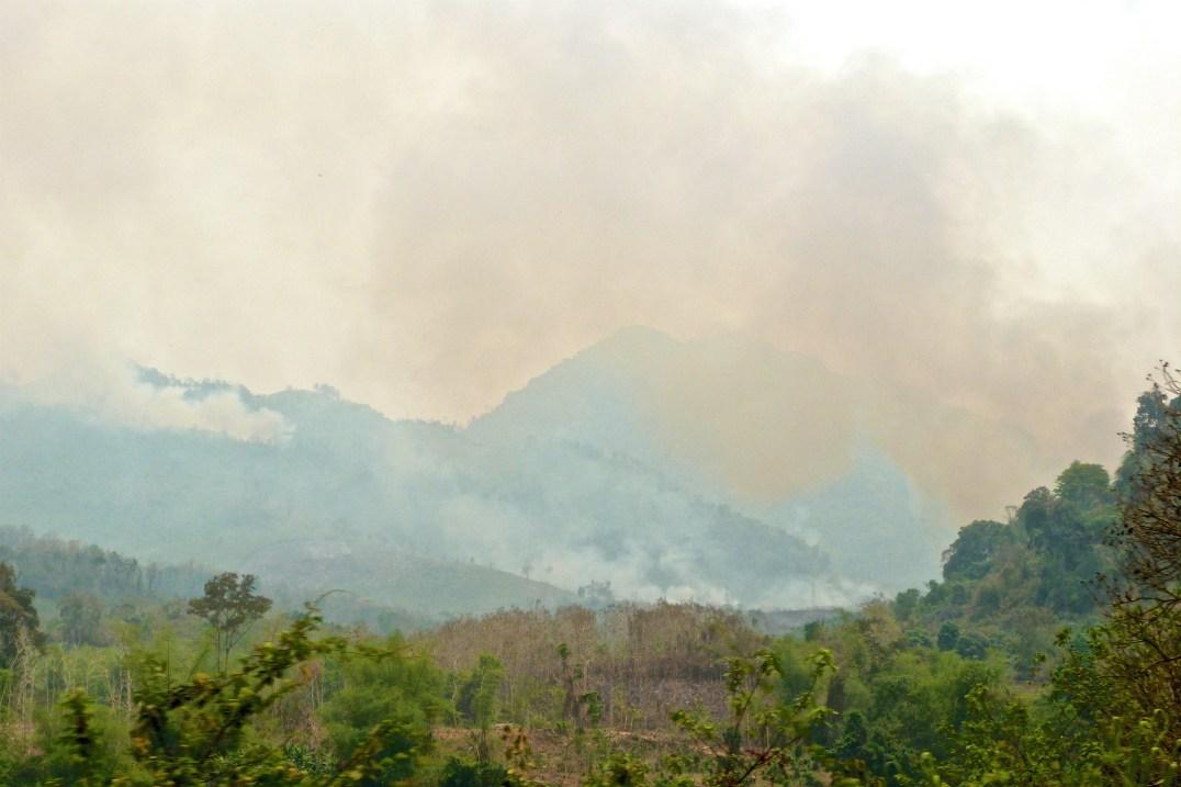 L'intensification des brûlis dans le Nord du Laos, blian laos blog de voyage