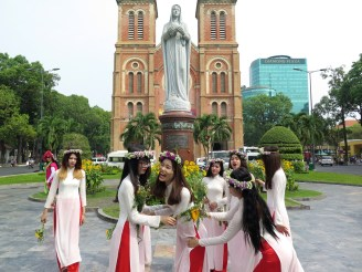 Cathedrale Hochiminh ville Vietnam blog voyage 2016 6