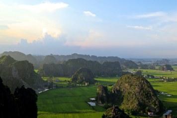 Vue sommet coucher soleil Tam Coc Baie Halong terrestre Vietnam blog voyage 2016 19