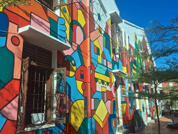 Beaucoup de maisons du quartier historique sont joliment colorées