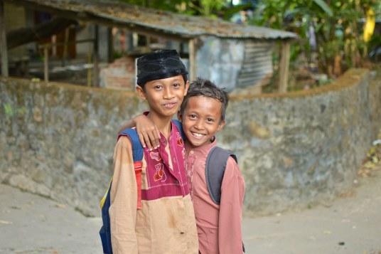 Enfants senggigi-lombok-indonesie-blog-voyage-2016-14