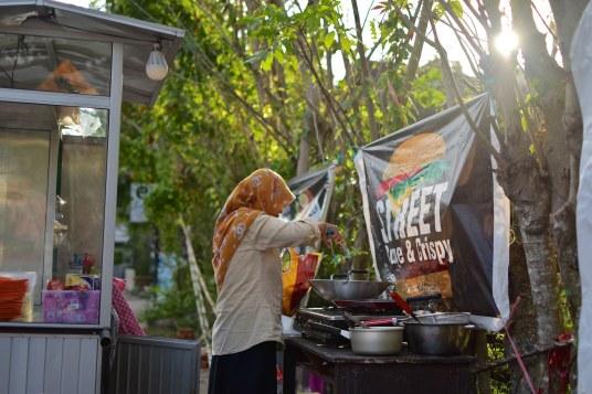 Street burger senggigi-lombok-indonesie-blog-voyage-2016-15
