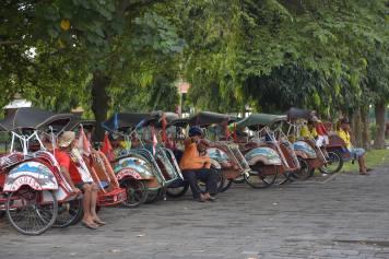 Tuk-tuk yogyakarta-borobudur-prambanan-indonesie-blog-voyage-2016-40