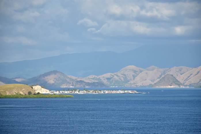 Point de vue sur un village Bajo (les gens de la mer)