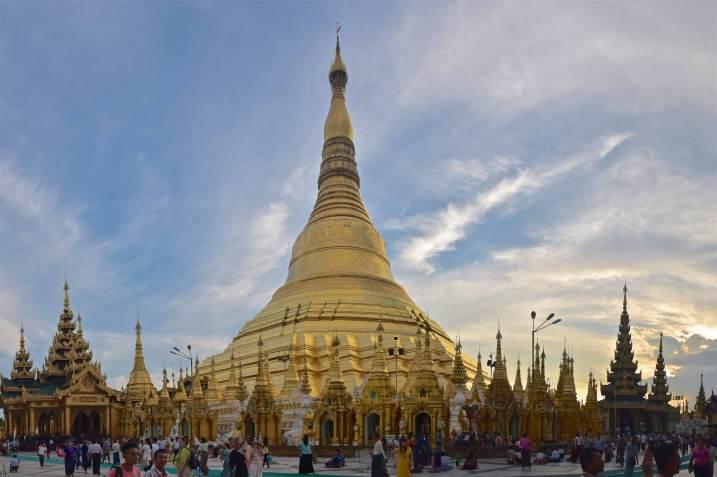 Stupa central pagode Shwedagon Yangon-Myanmar-Birmanie-blog-voyage-2016 44