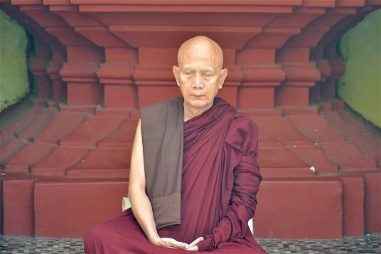 Moine méditation Yangon-Myanmar-Birmanie-blog-voyage-2016 46