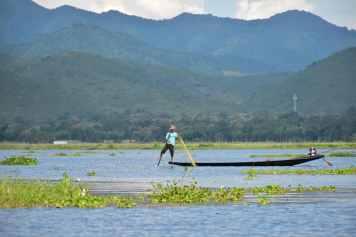 Pecheur filets Lac-Inle-Myanmar-blog-voyage-2016 77