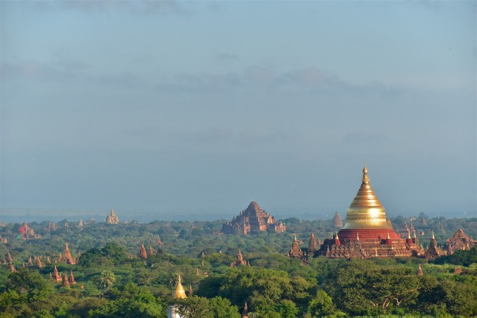 La pagode Dhammayanzika, le temple Dhammayangyi, et quelques stûpas