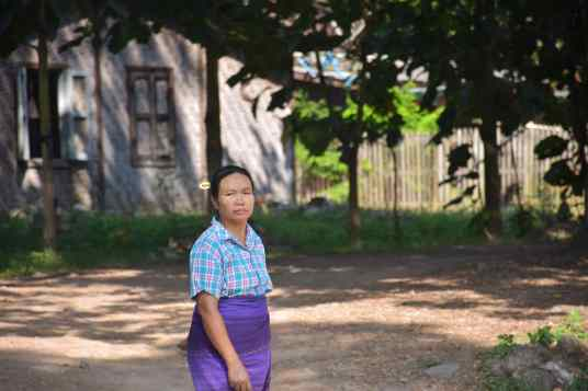 Femme gare Hispaw Pyin-Oo-Lwin-Gohteik-Myanmar-blog-voyage-2016 2