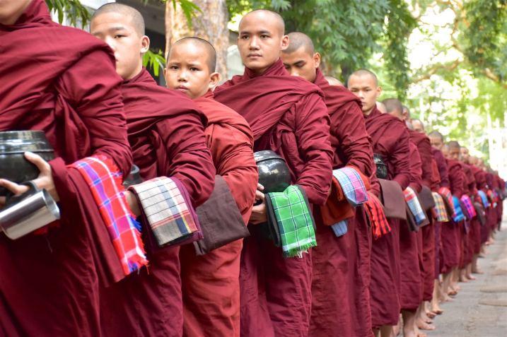 Repas moines Mandalay-Inwa-Ubein-Myanmar-Birmanie-blog-voyage-2016 30