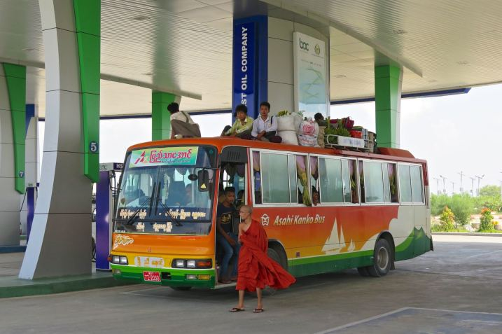 pause autoroute Mandalay-Inwa-Ubein-Myanmar-Birmanie-blog-voyage-2016 38