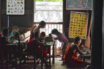 Cours moine Mandalay-Inwa-Ubein-Myanmar-Birmanie-blog-voyage-2016 44