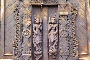 porte teck Shwe In Bin Kyaung Mandalay-Sagaing-Mingun-Myanmar-Birmanie-blog-voyage-2016 4