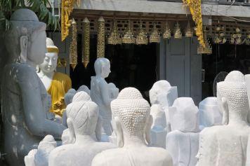 Sculptures bouddha Mandalay-Sagaing-Mingun-Myanmar-Birmanie-blog-voyage-2016 5