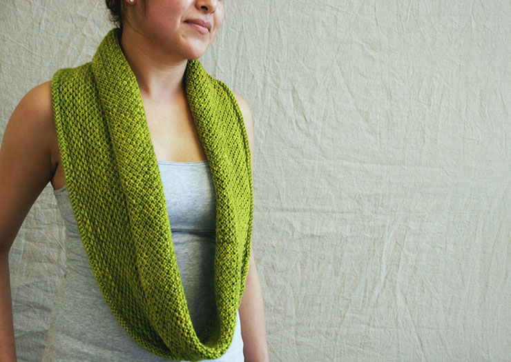 5 Quick Knits to Gift | Honey Cowl by Madelinetosh