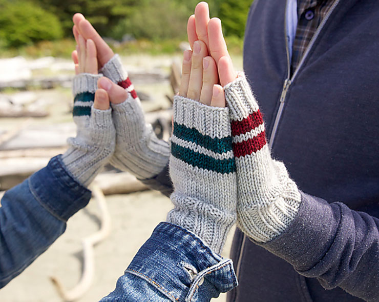 5 Quick Knits to Gift | Paddle Mitts by tincanknits