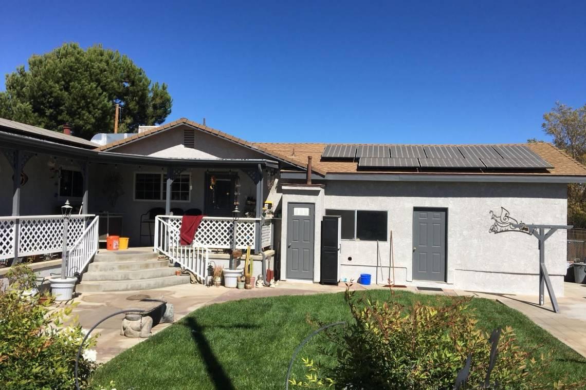 Backyard Landscaping   Remodeling Contractors on Backyard Renovation Companies id=11964