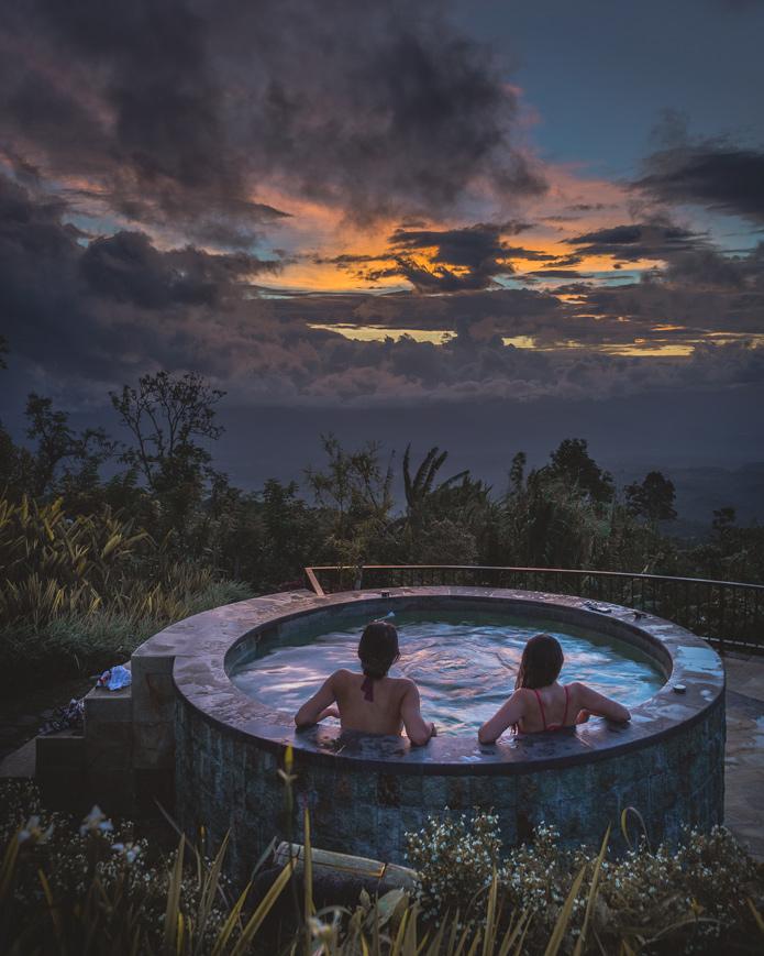 Munduk Moding Plantation hot tub