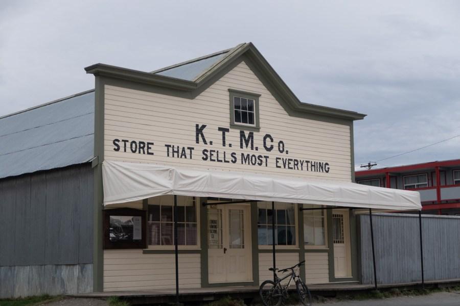 Store Dawson City