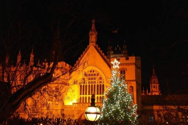 Christmas tree near Big Ben