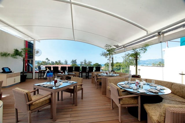 Climax Restaurant: Alfresco Dining with a View in Phuket