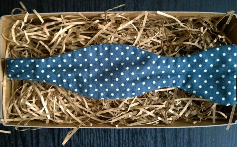 Mrs Bow Tie – Airforce blue and white polka dots
