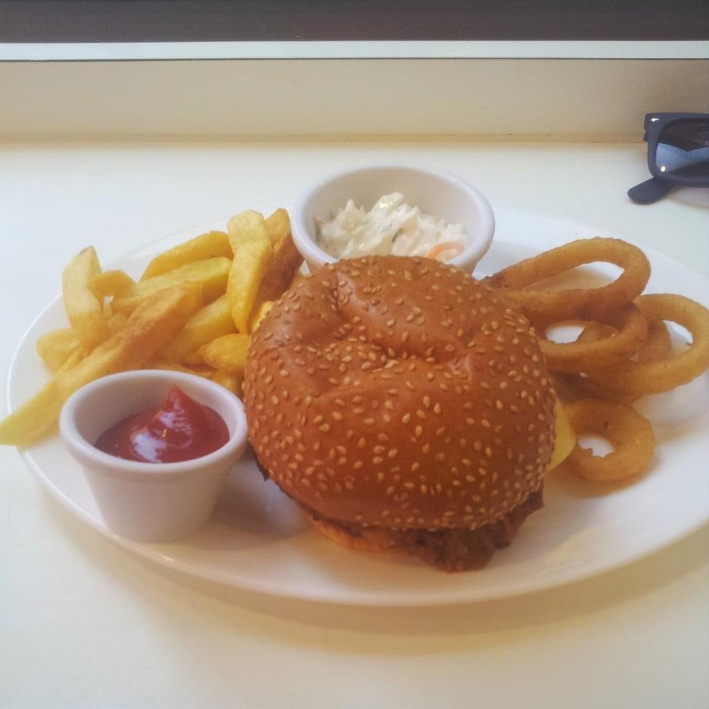Pulled Pork De-luxe -Ed's Plate - Ed's Easy Diner