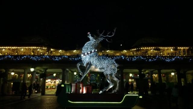 Giant reindeer covent gardens christmas 2014