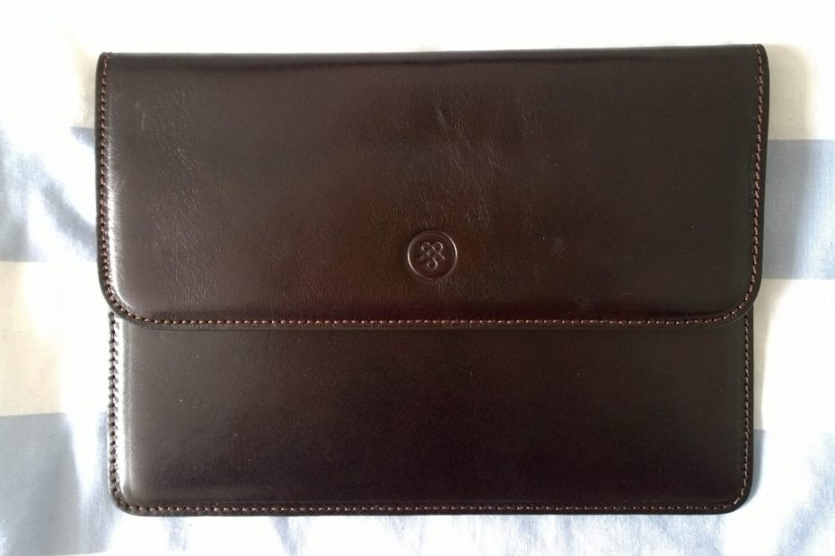 Maxwell Scott travel wallet