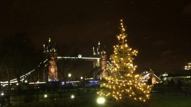 christmas tree and tower bridge (2)