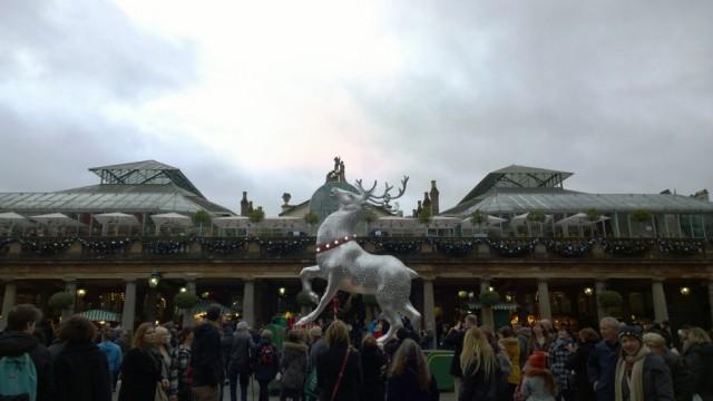 giant reindeer covent gardens 2014