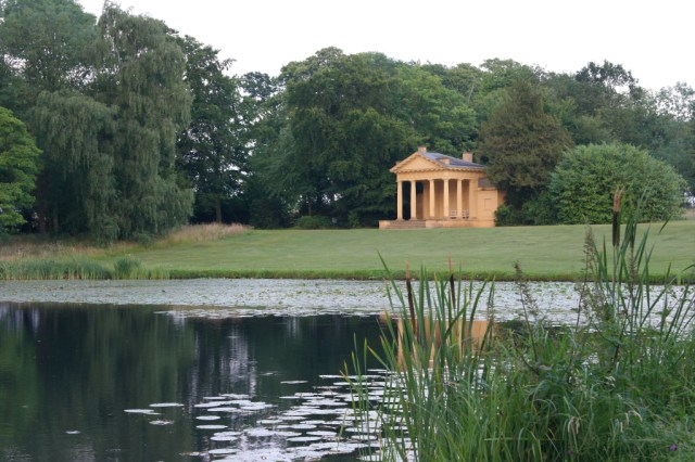 Lake and pavilion Stowe Gardens