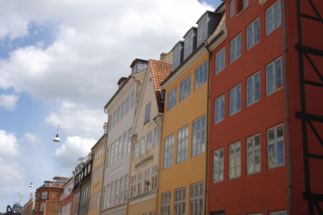 Nyhavn red and yellow buildings