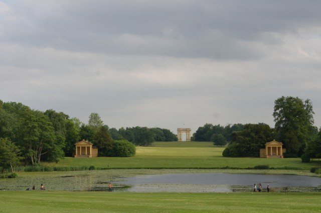 Pavilions and Corinthian arch Stowe House